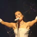 250px-Tarja_Turunen_at_Obras_Stadium_2008_02